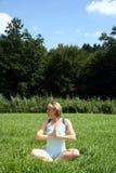 Abrandamento da ioga Fotografia de Stock Royalty Free