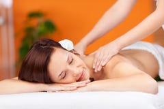 Abrandamento durante a massagem imagem de stock royalty free