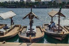 Abras在Bur迪拜地区,迪拜,阿拉伯联合酋长国 免版税库存图片