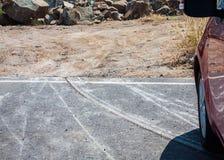 Abrazja na asfaltowej drodze obraz stock
