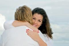 Abrazo de la madre y de la hija Fotografía de archivo