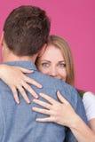Abrazo de la mujer y del hombre Imagen de archivo
