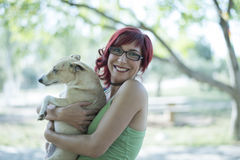Abrazo del perro Fotos de archivo libres de regalías