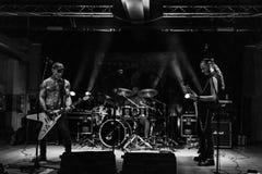 Abrazo efímero en el Fest BG del metal de Pollo 26-08-2018 imagenes de archivo