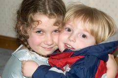abrazos Imagen de archivo libre de regalías
