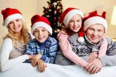 Abrazos de Navidad Imágenes de archivo libres de regalías