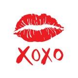 Abrazos y besos dibujados simples a pulso con beso del lápiz labial en un wh Fotografía de archivo