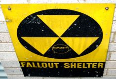 Abri contre les retombées radioactives photo libre de droits