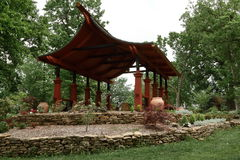 Abri de parc de style de pagoda Photographie stock libre de droits