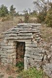 Abri en pierre dans Lozere, France Photo libre de droits
