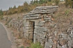 Abri en pierre dans Lozere, France Photographie stock