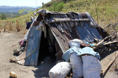 Abri (maison) près de Mirebalais, Haïti Photographie stock libre de droits