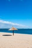 Abri paisible du soleil de station balnéaire Image libre de droits