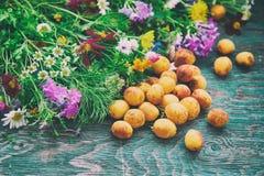 Abricot et fleurs Photographie stock libre de droits