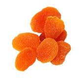 Abricots secs d'isolement sur le blanc Image libre de droits