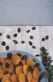 Abricots secs et raisins secs Photos stock