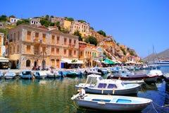 Abrigúese en Symi, Grecia Fotos de archivo