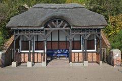 Abrigo da frente marítima, Eastbourne foto de stock royalty free