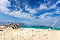 Abrigo da madeira lançada à costa em Boca Grandi Imagem de Stock
