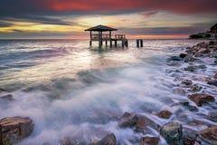Abrigo de Ababdoned no mar Imagem de Stock