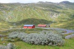 Abrigo del camino de la montaña Foto de archivo libre de regalías