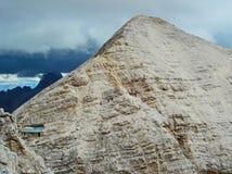 Abrigo na montanha Fotografia de Stock Royalty Free