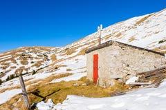 Abrigo nas montanhas Fotos de Stock Royalty Free