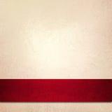 Abrigo rojo de la cinta de la Navidad del fondo blanco Imagenes de archivo