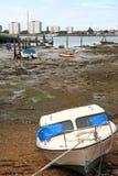 Abrigue enquanto a maré está para fora Fotografia de Stock Royalty Free
