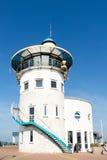 Abrigue la torre de control de la oficina en Harlingen, Países Bajos Foto de archivo