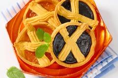 Abrikoos en pruimjamcakes met rooster royalty-vrije stock fotografie