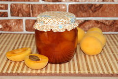 Abrikozenjam en abrikozen Stock Foto