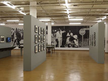 30, abril - 2014 Museo del apartheid johannesburg Viñedo famoso de Kanonkop cerca de las montañas pintorescas en el resorte Fotos de archivo libres de regalías