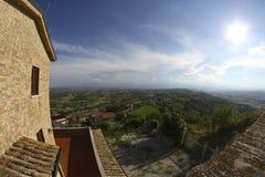Abruzzo kullelandskap Arkivfoton