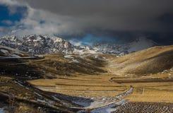 Abruzzo landskap med snö Royaltyfria Foton
