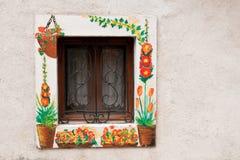 Abruzzo parkerar, det dekorerade fönstret Royaltyfri Bild