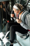 abs centrum ćwiczenia sprawności fizycznej mięśni seniora kobieta Fotografia Royalty Free
