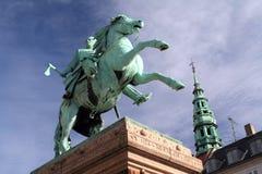 Absalon主教雕象在哥本哈根 免版税库存图片