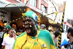 Abschließender abgehobener Betrag 2010 des FIFA-Weltcups im langen Straßenumhang Stockbilder