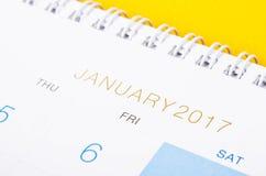 Abschluss des Tischplattenkalenders im Januar 2017 oben Lizenzfreies Stockfoto