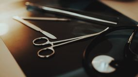 Abschluss herauf medizinische Instrumente für Schönheitschirurgie stockbild