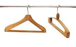 Abschluss oben der Kleiderbügel in der Reihe Lizenzfreie Stockfotografie