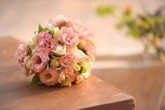 Abschluss oben des Hochzeitsblumenstraußes Stockfotografie