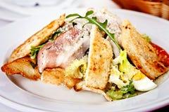Schließen Sie oben von Caesar-Salat Lizenzfreie Stockbilder