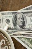 Abschluss oben, Zeit und Geld Lizenzfreies Stockbild