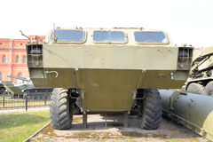 Abschussrampe 2P129 der Rakete komplexes 2K79 Tochka im Militärartillerie-Museum Lizenzfreies Stockfoto