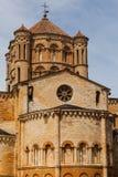 Abse et vue de dôme dans l'église collégiale romane de Toro Images stock