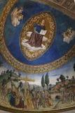 Absid av Santa Croce i den Gerusalemme kyrkan med freskomålningen av Kristus Royaltyfri Foto