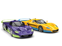 Absolut fantastiska toppna bilar för lila- och gulingbegrepp med detaljer i kompletterande färger stock illustrationer