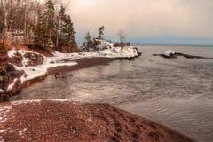 Absolutismfloden är en delstatspark på den norr kusten av sjön Supe Royaltyfri Foto